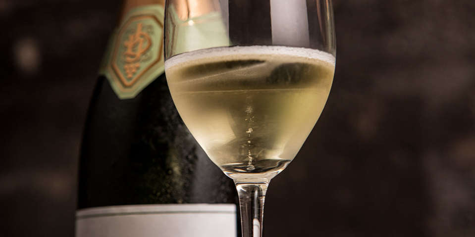 Tiny bubbles floating to the top of glasses filled with Schramsberg Blanc de Blancs sparkling wine